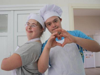 Photo: Teenage cooks; © Dreams Academy