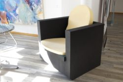 Photo: Foam chair prototype; Copyright: beta-web/Lormis