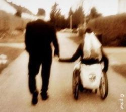 Photo: Melinda Litzendorf and her husband walking hand in hand (from behind); Copyright: private