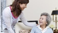 Image: Carer and old female person; Copyright: panthermedia.net/imtmphoto