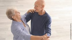 Photo: Elderly couple dancing; Copyright: panthermedia.net/belchonock