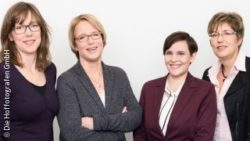 Photo: Employees of the Arbitration Body: Anne Katrin Lutz, Dr. Rica Werner, Antje Halamoda and Sabine Tekir; Copyright: Die Hoffotografen GmbH