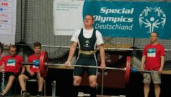 Photo: Weight lifter during Special Olympics; Copyright: SOD/Andreas Bister