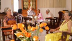Photo: Elderly people with different cultural backgrounds in a nursing home; Copyright: panthermedia.net/diego cervo