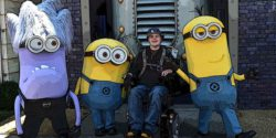 Photo: Dennis Winkens with two yellow and one purple minion; Copyright: private