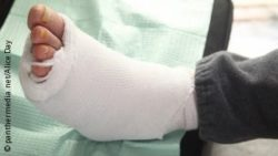 Image: Foot with thick bandages; Copyright: panthermedia.net/Alice Day