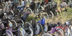 Photo: Wheelchairs in Senegal; Copyright: Rollis für Afrika