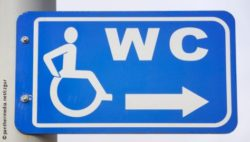 Photo: Sign for accessible toilets; Copyright: panthermedia.net/czgur