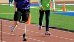 Photo: Man with a prosthesis on a racetrack; Copyright: panthermedia.net/Scott McGill