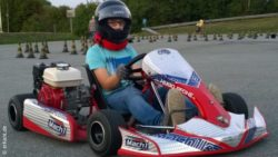 Photo: Tobias Nerlich in a gokart; Copyright: erKant.de