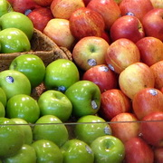 Photo: Green and red apples