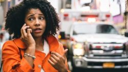 Photo: Woman calling for an ambulance; Copyright: PantherMedia/oneinchpunch