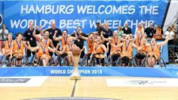 Photo: The women's national team of the Netherlands after their World Cup victory in 2018 in Hamburg, Germany.; Copyright: MSSP Michael Schwartz / Uli Gasper