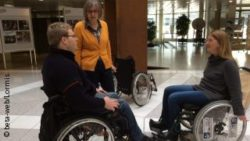 Photo: Hedwig Reiffs with a visitor and a wheelchair driver