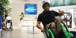 Image: Aaron Fotheringham shows off stunts in his wheel chair; Copyright: beta-web/Höpfner