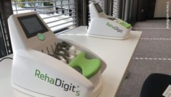 Photo: Training device at REHACARE; Copyright: beta-web/Blume