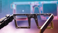 Photo: black glases with many electronic platinum dots; Copyright: KAUST; Anastasia Seri