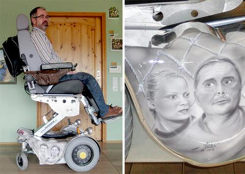 Foto: Wheelchair with themes of THC