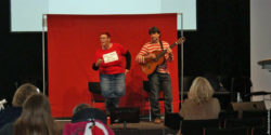 Foto: Simone Heiser and Stephan Tillmanns sing a song; Copyright: beta-web/Unverzagt