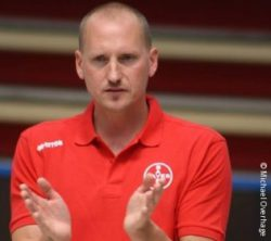 Photo: Sitting volleyball trainer Michael Overhage; Copyright: Michael Overhage