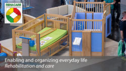 Photo: Two care beds for children in an exhibition hall; Copyright: Messe Düsseldorf