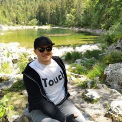 Photo: Björn Reinsch with sunglasses in nature; Copyright: private