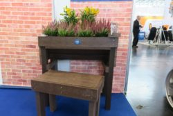 Photo: the accessible easy gardening table; Copyright: beta-web/Schlüter