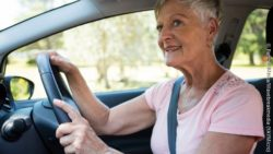 Photo: Elderly woman driving a car; Copyright: PantherMedia/Wavebreakmedia (YAYMicro)