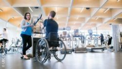 Photo: UBC Okanagan researcher Kathleen Martin Ginis and a wheelchair user; Copyright: UBC Okanagan